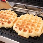 ワッフル作りは意外と簡単!オーバーナイト製法で朝ごはんに焼きたてふわふわを食べられるレシピ。