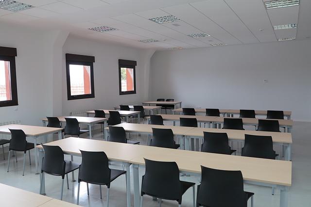 classroom-1008856_640