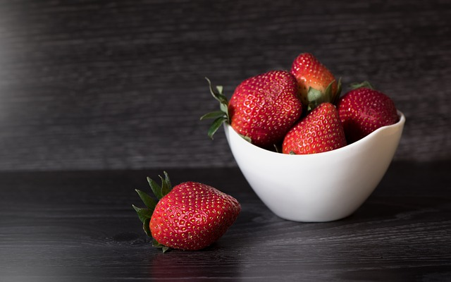 strawberries-1365528_640