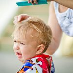 発達障害児の散髪は子供の特性を見極めると上手くいく!美容院難民だった次男が散髪できるようになった経緯とは。