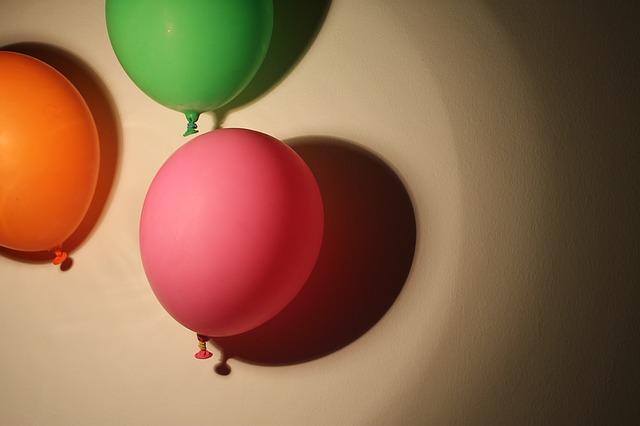 balloons-1171254_640